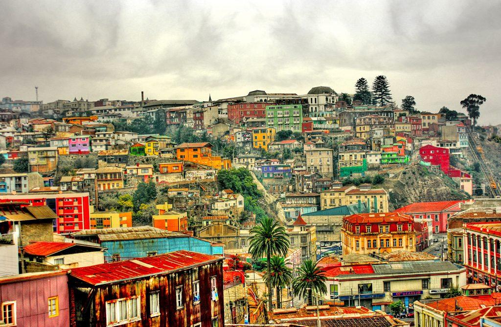 Valparaiso - La ville aux 1000 couleurs (Photo C.P.)