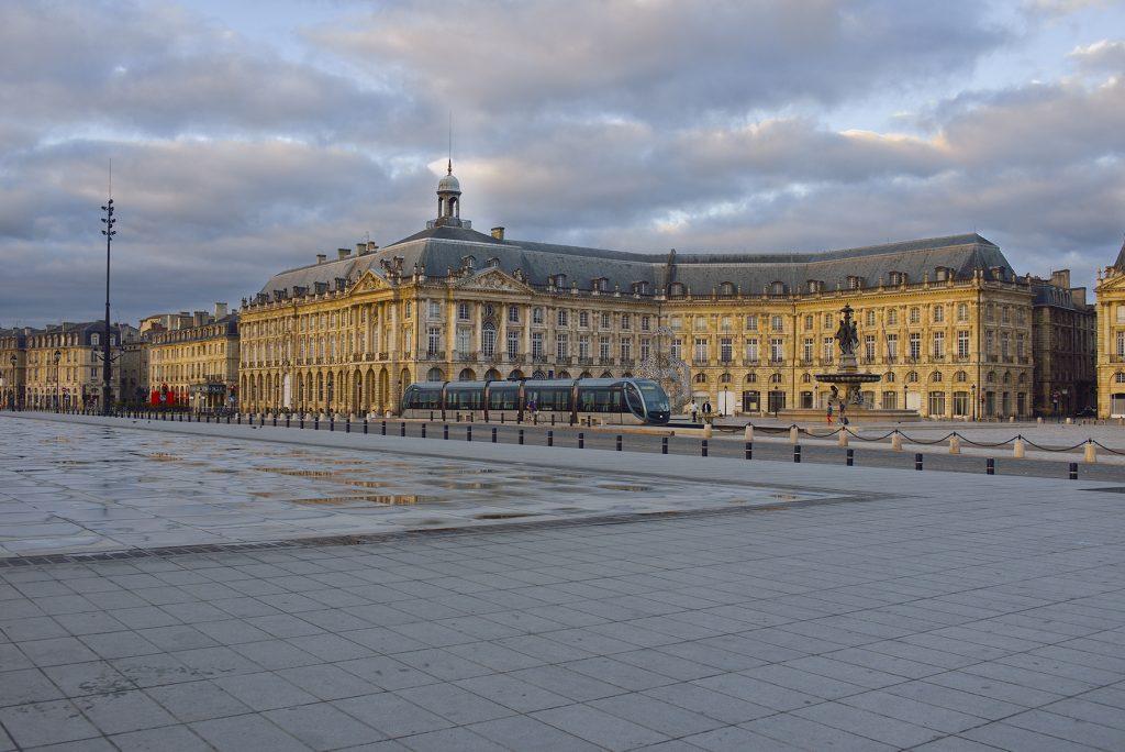 L'hôtel des Douanes, ancien « hôtel des Fermes du Roi » quai de la Douane à Bordeaux - Photo Dominique Repérant