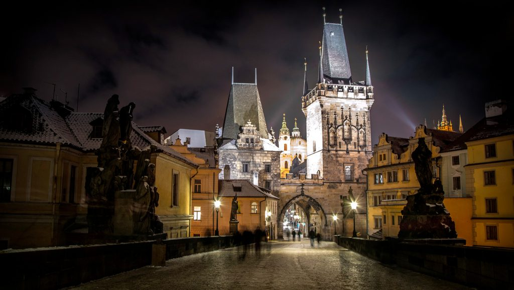 Prague : Le pont Charles sur la Vlatva - Photo BS - Lubos Houska